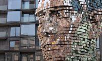 Памятник Кафке в Праге
