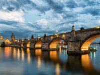 Панорамный вид на Карлов мост