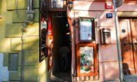 Самая узкая улица в Праге (1)