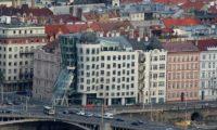 Танцующее здание в Праге