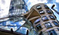 Прага, Танцующий дом «Джинджер и Фред»