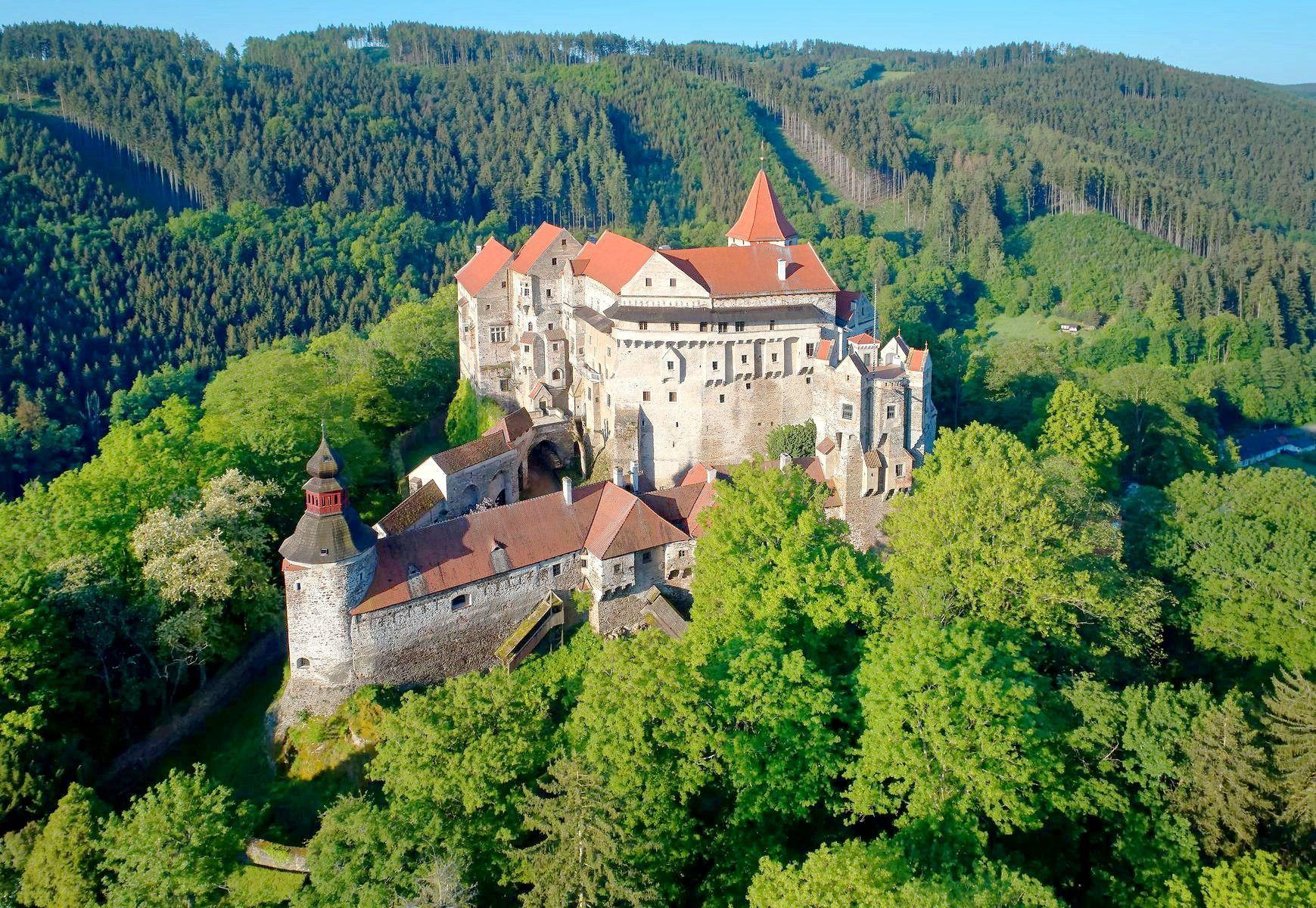 Замок Пернштейн в Чехии