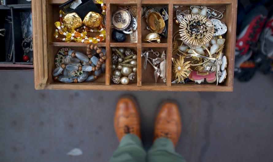 Сувениры из Праги: антиквариат на блошином рынке