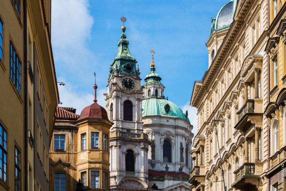 Костел святого Микулаша, Прага