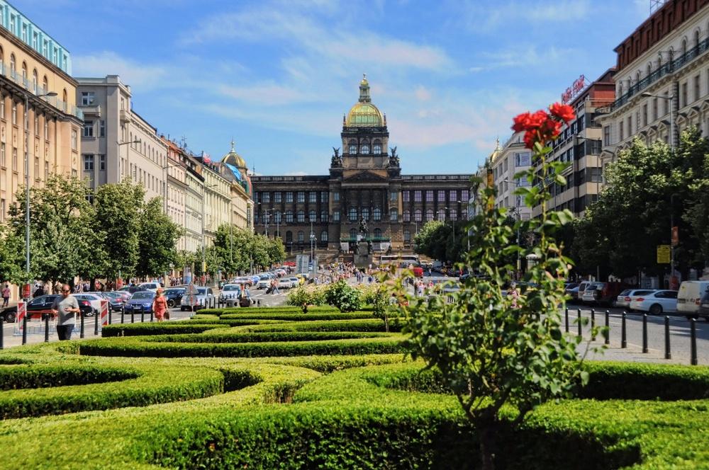 Национальный музей Праги, Вацлавская площадь