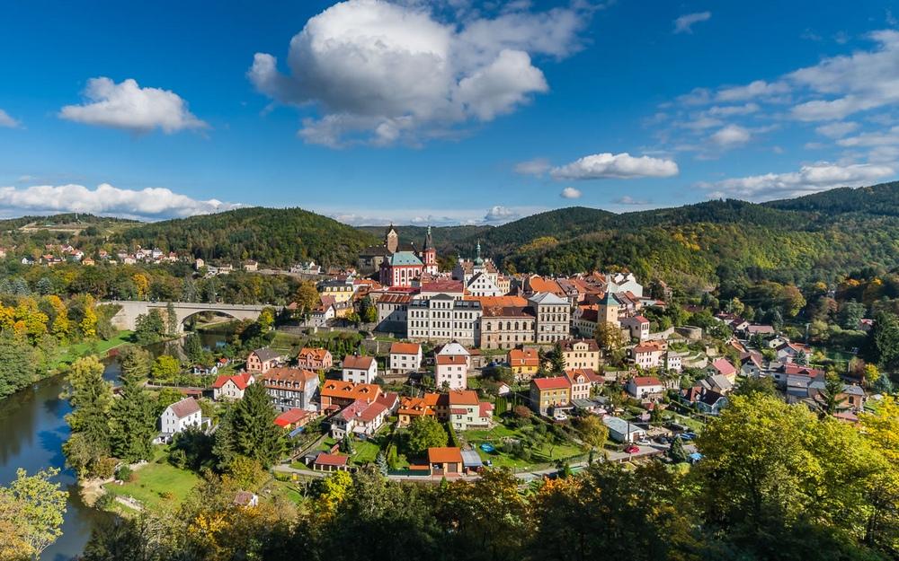 Замок Локет, Чехия, вид на город