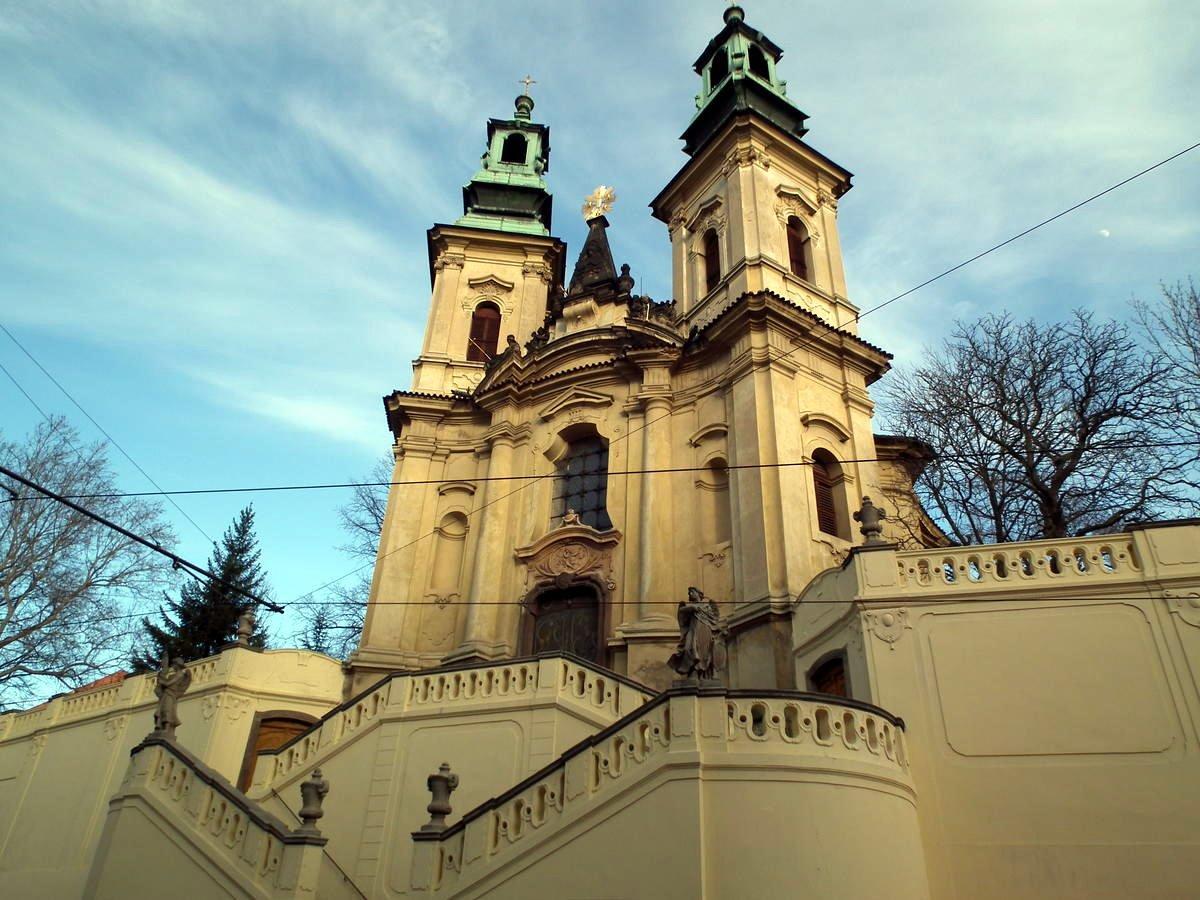 Костёл-Святого-Яна-Непомуцкого-на-Скалце