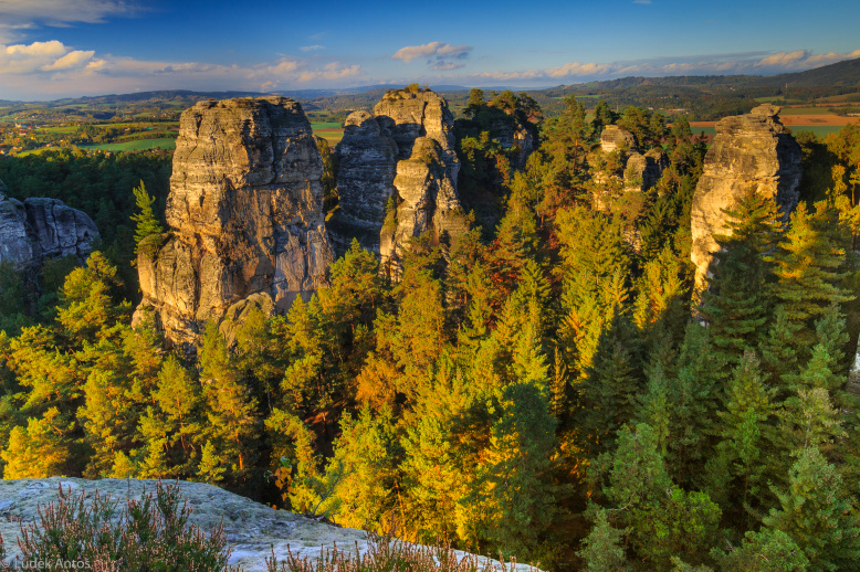 Заповедник Чешский Рай, Грубые скалы