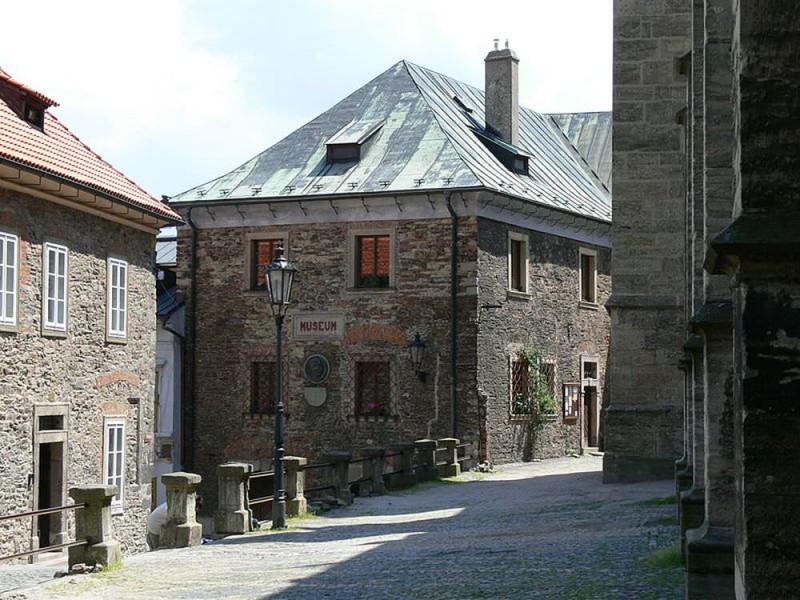 Улица на Градбах